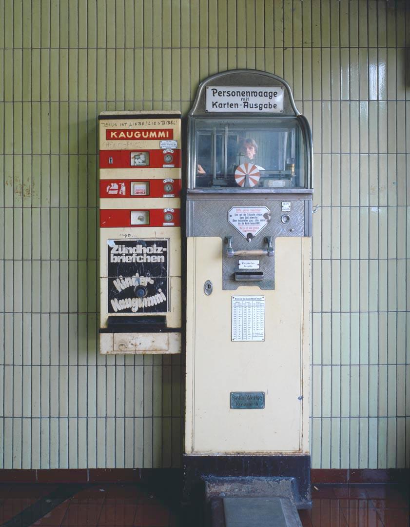 38KF961-126.jpg